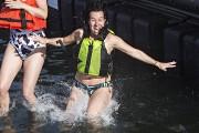 Valérie Plante a même sauté dans l'eau à... (Patrick Sanfaçon, La Presse) - image 1.1