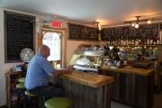L'épicerie-café Dunham.... (PHOTO MARTIN TREMBLAY, LA PRESSE) - image 4.0