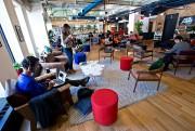WeWork fournit des bureaux modernes, l'accès à l'internet,... (Photo Patrick Sanfaçon, Archives La Presse) - image 1.0