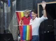 Justin Trudeau et son fils Hadrien lors du... (PC) - image 2.0