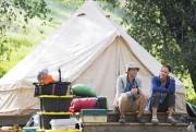 Jennifer Garner et David Tennant dans Camping, série... (Photo fournie par HBO) - image 2.0