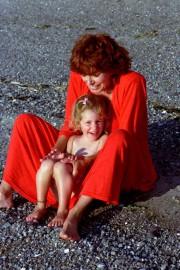 Marie Bernier et Pauline Julien.... (Crédit:Jean Bernier.) - image 1.0