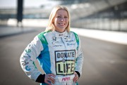 La pilote d'IndyCar Pippa Mann s'objecte à la... - image 1.0