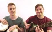 Arnaud Soly et Julien Corriveau chantent les noms... (Image tirée d'une vidéo sur Youtube) - image 1.0