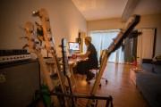 La bassiste Amélie Mandeville affirme s'être toujours sentie... (Photo Olivier Jean, La Presse) - image 3.0