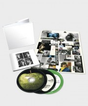 La version «coffret» de 6 CD de The White... (Photo fournie par Universal Music Group) - image 2.0