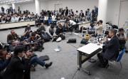 Le PDG Hiroto Saikawa s'adressant aux médias durant... - image 2.0