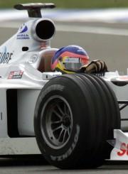 Le pilote Jacques Villeneuve (BAR-Honda) lors des essais... - image 1.0