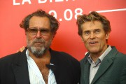Julian Schnabel et Willem Dafoe à la Mostra... (Photo Joel C. Ryan, Associated Press) - image 2.0