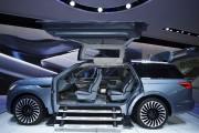 Le prototype du Lincoln Navigator avait des portes... - image 2.0