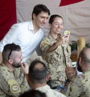 Le premier ministre Justin Trudeau a salué samedi... (Photo Adrian Wyld, PC) - image 1.0