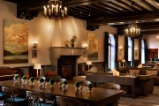 Le hall original, au deuxième étage, s'inspire du... (photo fournie par l'Hotel Saranac) - image 3.0