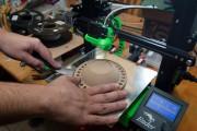 Simon Picard en plein travail de fabrication... (PHOTO JACQUES BOISSINOT, COLLABORATION SPÉCIALE) - image 5.0