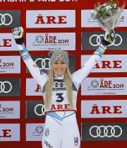 Lindsey Vonn sur le podium... (Photo LEONHARD FOEGER, REUTERS) - image 2.0