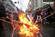 Des Iraniens ont brûlé ses drapeaux américains et... (PHOTO TASNIM NEWS AGENCY VIA REUTERS) - image 4.0