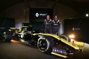 Nico Hülkenberg et Daniel Ricciardo devant la RS19... (Photo DANIEL LEAL-OLIVAS, AFP) - image 2.0