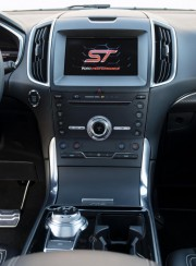 L'Edge ST offre un équipement de série assez... (Photo fournie par Ford) - image 5.0