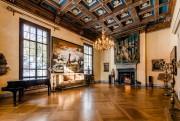 Cette pièce, toujours sacralisée, sert de salle de... (PHOTO FOURNIE PAR SOTHEBY'S INTERNATIONAL REALTY) - image 2.0