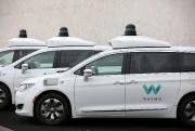 Des Chrysler Pacifica hybrides semi-autonomes de Waymo en... (PHOTO CAITLIN O'HARA, REUTERS) - image 3.0
