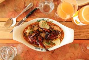 La caille minestrone,glacée au jus d'oignon brûlé etau... (PHOTO HUGO-SÉBASTIEN AUBERT, LA PRESSE) - image 4.0