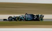 Lewis Hamilton au volant de sa Mercedes F1... (PHOTOALBERT GEA, REUTERS) - image 2.0