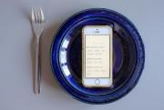 Après le repas, Keenoa s'intéresse à notre niveau... (PHOTO EDOUARD PLANTE-FRÉCHETTE, LA PRESSE) - image 4.0