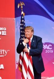 Le président Trump, qui s'est fait élire sur... (PHOTO NICHOLAS KAMM, AFP) - image 2.0