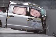 Les pickups, en général, n'offrent pas une très bonne protection au passager... - image 3.0