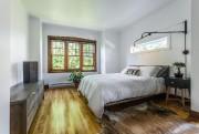 Le tapis, les textiles, le luminaire, le bois,... (PHOTO GUILLAUME GORINI, STUDIO POINT DE VUE, FOURNIE PAR L'AGENCE IMAGINE) - image 4.0