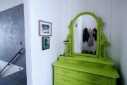 Massif et austère, le meuble victorien remisé au... (PHOTO ALAIN ROBERGE, LA PRESSE) - image 2.0