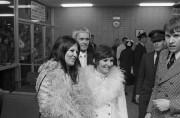 MichèleRichard et DominiqueMichel s'étaient déplacées à l'aéroport de... (PHOTO PIERREMCCANN, ARCHIVES LA PRESSE) - image 3.0