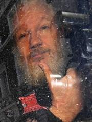 Julian Assange a été arrêté à l'ambassade d'Équateur... (PHOTO VICTORIA JONES, ASSOCIATED PRESS) - image 2.0