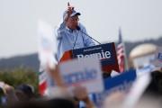 Bernie Sanders... (PHOTO STEPHEN LAM, AFP) - image 2.0