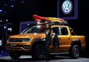Ci-haut, un l'Amarok V6 Concept montré au Salon... (PHOTO PAULO WHITAKER, REUTERS) - image 3.0