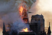 La flèche de Notre-Dame de Paris au moment... (AFP) - image 2.0