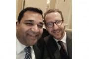 Awanish Sinha (à gauche) et Gerald Butts, ex-secrétaire... (PHOTO TIRÉE DE TWITTER) - image 3.0