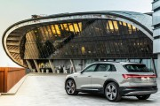 Audi e-Tron... (PHOTO FOURNIE PAR AUDI) - image 2.0