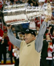 Scotty Bowman... (PHOTO RYAN REMIORZ, ARCHIVES LA PRESSE CANADIENNE) - image 6.0