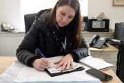La travailleuse sociale Marie-Josée Grand'Maison, du service d'Urgence... (PHOTO EDOUARDPLANTE-FRÉCHETTE, LA PRESSE) - image 6.0