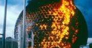 Incendie du dôme, le 20 mai 1976... (PHOTO GILLES HERMANN, ARCHIVES DE LA VILLE DE MONTRÉAL) - image 2.0