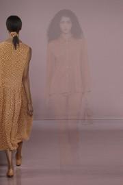 Certains mannequins portaient des chouchous lors du défilé... (PHOTO FERNANDA CALFAT, ARCHIVES AGENCE FRANCE-PRESSE) - image 3.0