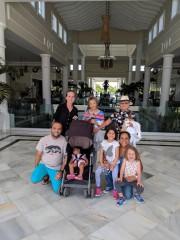 Les proches deMargarita Quinones, réunis àPuntaCana, enRépublique dominicaine... (PHOTO FOURNIE PARMARGARITA QUINONES) - image 4.0