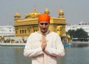 JustinTrudeau devant le Temple d'or, à Amritsar, en... (PHOTO SEANKILPATRICK, ARCHIVES LA PRESSE CANADIENNE) - image 2.0
