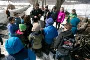 Paul Lambert, propriétaire de Silloway Farms, explique aux étudiants ... (PHOTO FRANÇOIS ROY, UNE PRESSE) - image 5.0