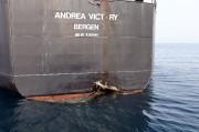 La coque du pétrolier norvégien Andrea Victory a... (REUTERS) - image 3.0