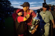 Tiger Woods avec sa mère Kultida lors de... (PHOTO ARCHIVES ASSOCIATED PRESS) - image 3.0