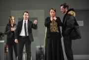 Magalie Lépine-Blondeau,Patrick Hivon,Julie Le Breton etÉric Bruneau dansLanuit... (PHOTO YVES RENAUD, FOURNIE PAR LE TNM) - image 2.0