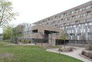 L'école secondaire Calixa-Lavallée, sur le territoire de la... (PHOTO MARTIN CHAMBERLAND, LA PRESSE) - image 2.0