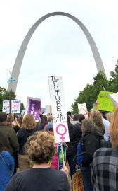 Une manifestation pro-choix s'est notamment tenue mardi à... (AP) - image 4.0