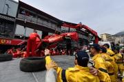 La Ferrari de Sebastian Vettel a dû être... (PHOTO YANN COATSALIOU, AGENCE FRANCE-PRESSE) - image 2.0